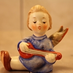 Hummel 238 A Angel with Lute