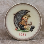 Hummel 274 1981 Annual Plate, Umbrella Boy