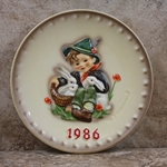Hummel 279 1986 Annual Plate, Playmates