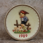 Hummel 285 1989 Annual Plate, Farm Boy