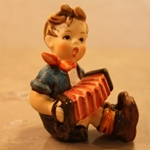 Hummel 390 Boy with Accordion