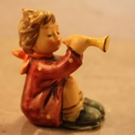 Hummel 391 Girl with Trumpet