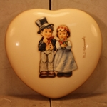 Hummel 2152 Dearly Beloved Trinket Box