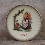 M.I. Hummel 271 Happy Pastime 1978 Annual Plate Tmk 5, Type 1