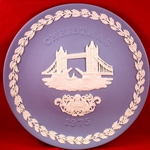 Wedgwood Christmas Plate 1975 Tower Bridge