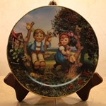 Danbury Mint, M I Hummel Plate ~ Apple Tree Boy & Girl