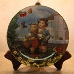 Danbury Mint, M I Hummel Plate ~ Surprise